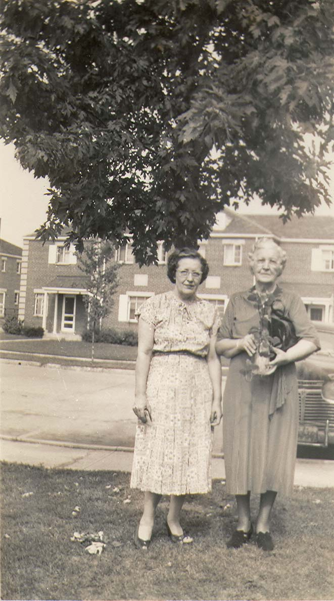 Mary Ada Cook & daughter Lucille Cowger in Kansas City